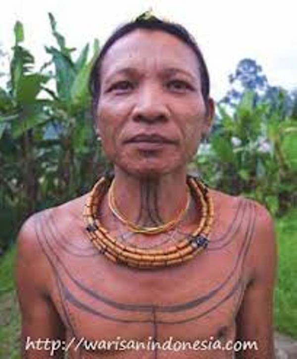 Boneka Suku Mentawai