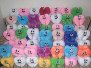 Pembuatan Boneka Maskot dan Souvenir Gigi untuk Anak-anak
