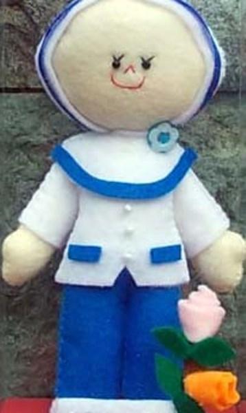 Pembuatan Boneka Profesi Guru dan Kostum