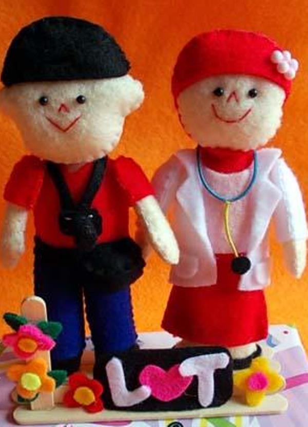 Pembuatan Boneka Valentin untuk Pacar - Provesi