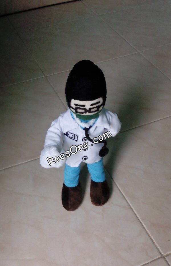 Maskot Boneka Dokter Mirip Manusia