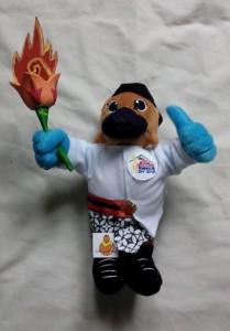 Pembuatan Boneka Maskot Pomnas UNY 2013