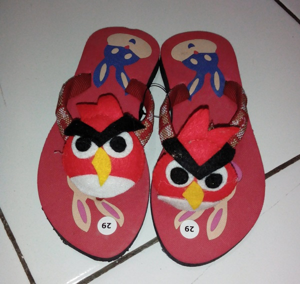 Sandal Boneka Angry Bird Kesukaan Anak-anak