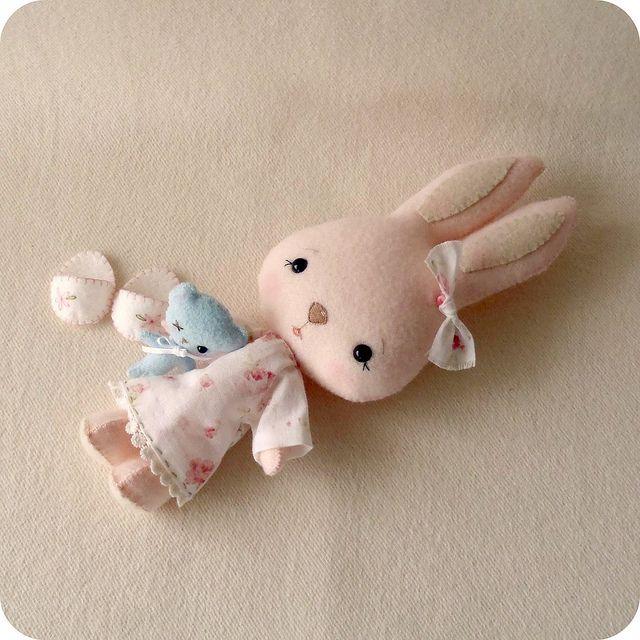 Boneka Kelinci Imut