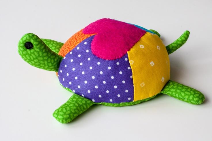 Kura kura hijau warna warni