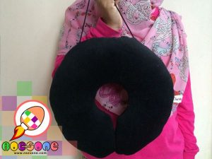Bantal Leher Warna-warni Souvenir Tour Travel Hotel