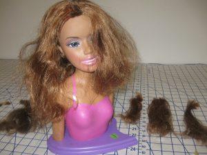 Trik Merawat Wig dan Rambut Boneka