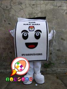 Pembuat Badut Maskot Pemilu Serentak KPU Kabupaten Kudus