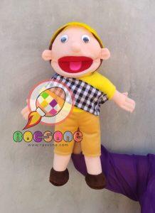 Produsen Boneka Muppet Untuk Dongeng Profesi Petani