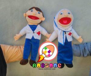Produsen Boneka Tangan Muppet Dokter Laki-Laki dan Perempuan Dongeng Anak