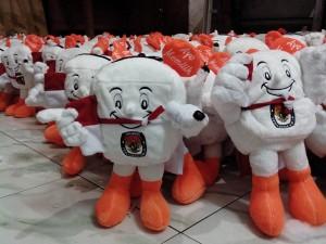 Pembuatan Boneka Maskot Pemilu Ayo Memilih