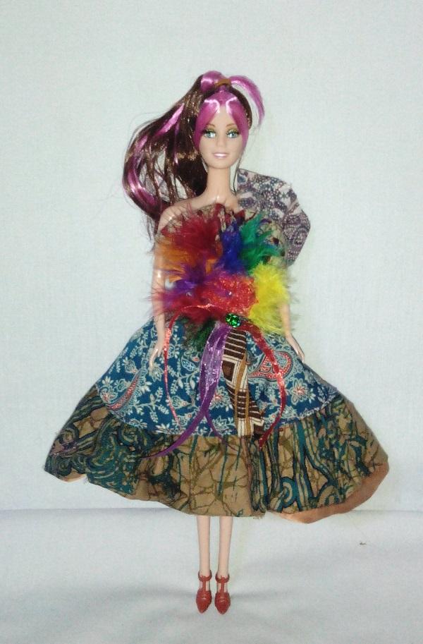 Boneka Barbie Batik Motif Modern