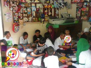 Praktik Membuat Boneka Siswa SD Tumbuh Yogyakarta