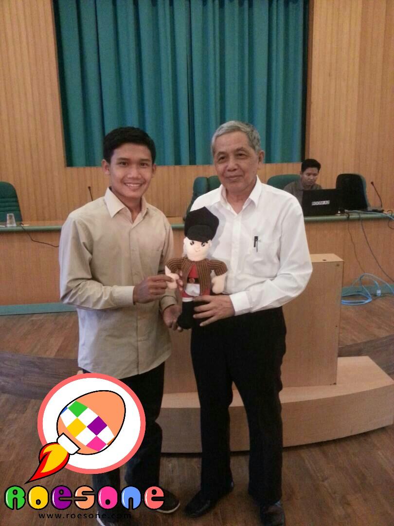 Produsen Boneka Prajurit Bersinergi sebagai Binaan UGM untuk Ekonomi Kreatif