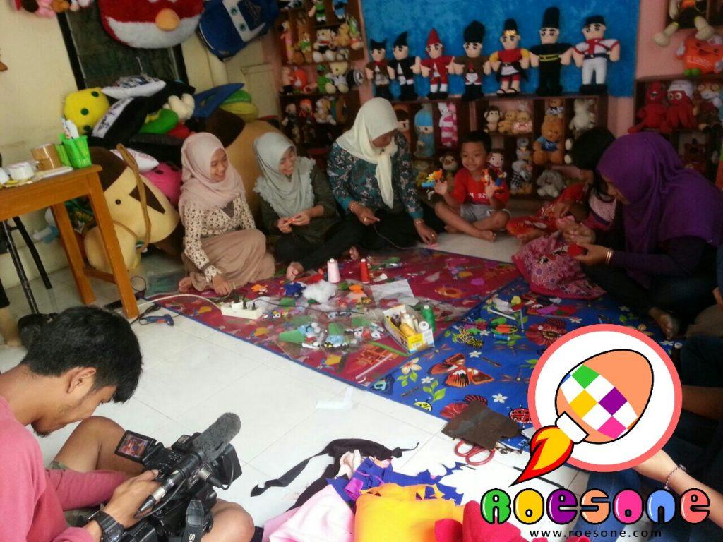 Proses Syuting Ragam Indonesia Trans 7 di RoesOne Craft