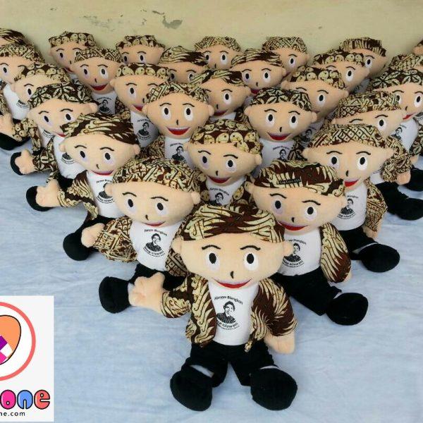 Boneka Maskot Perusahaan Travel Traditional Jogja
