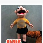 Pembuat Boneka Tangan Muppet Edukasi Karakter Nenek