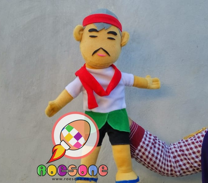 Produsen Boneka Tangan Muppet Kakek